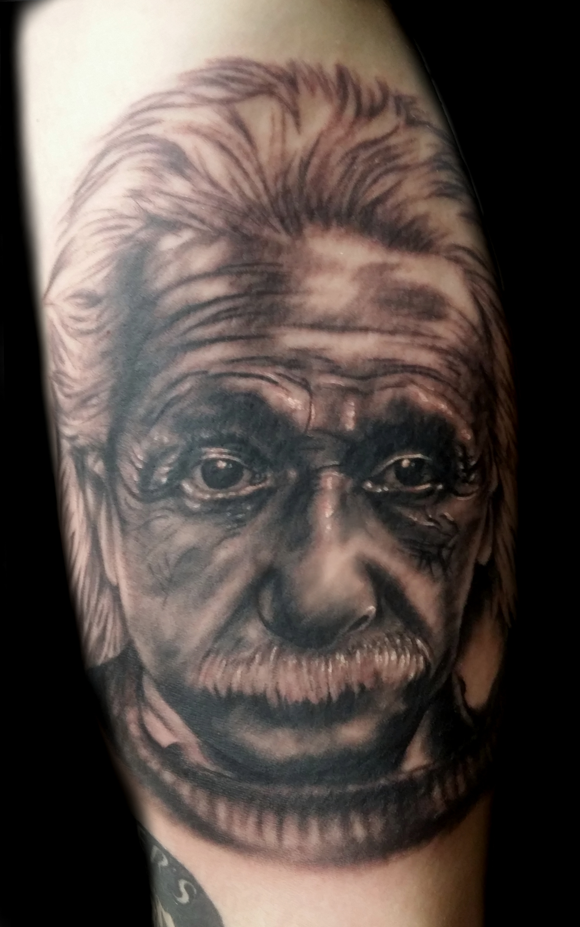 Einstein - Inner right arm