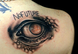 eye no future - right shoulderblade
