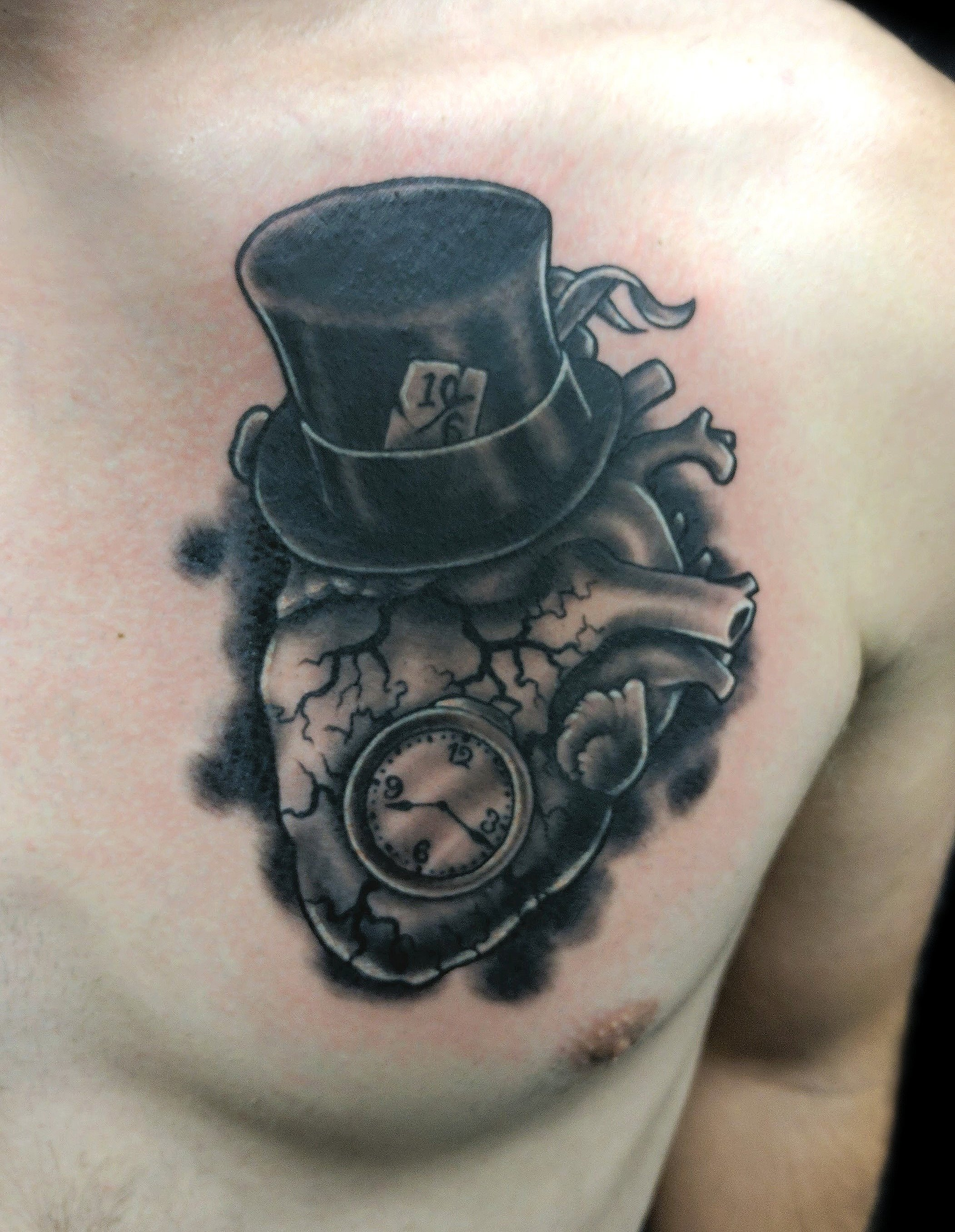 alice in wonderland heart - chest