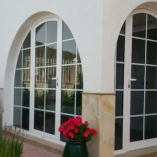 Puertas con fijos laterales