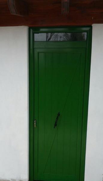 Puerta machimbrado verde