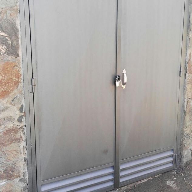 Puerta contadores