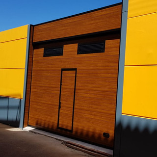 Imitación madera con puerta de paso