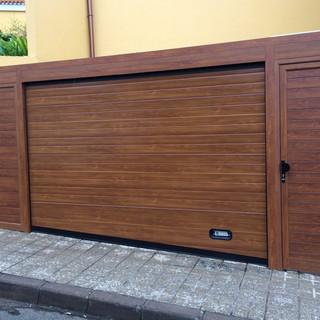 Imitación madera con puerta de paso lateral