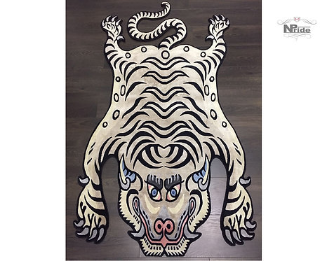 Tibetan Tiger Rug Snow 01
