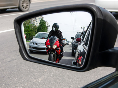 Motards / Circulation interfiles : Qui est responsable en cas d'accident ?