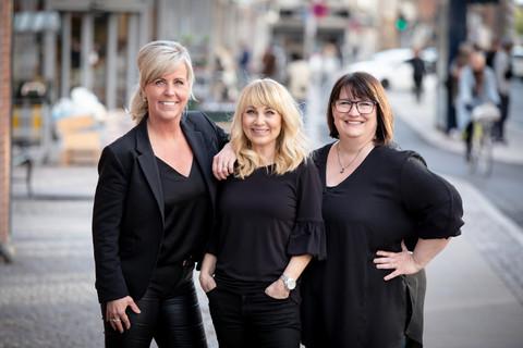 Brandingfotograf Maiken Kestner - brandingbillede af 3 kvindelige frisører