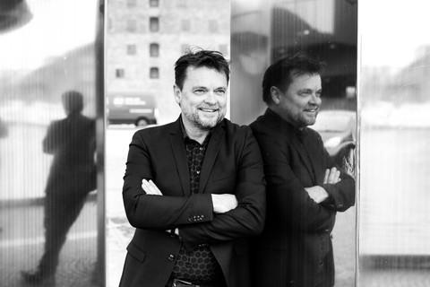 Brandingfotograf Maiken Kestner - brandingfoto spejling af mand