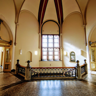 R Rechtbank interieur hal1e verdieping
