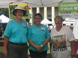 Mobile Master Gardeners Share Gardening in Our Community