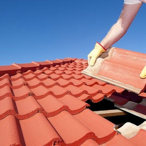 tile roof-3 things you need to know about Roofs and Homeowners Insurance-SSM Insurance-capeCoral-300x300pg