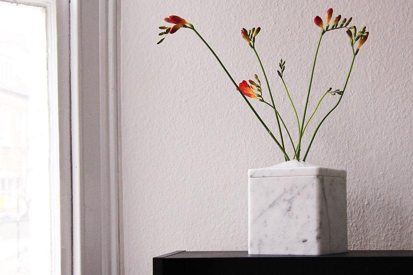 Marble Vase_square