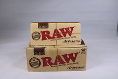 Raw Classic Artesano 1 1/4 Tray|Papers|Tips 15 Per Box