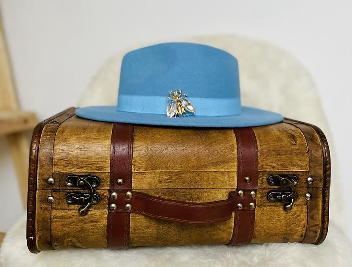 Chapeau en laine bleu ciel