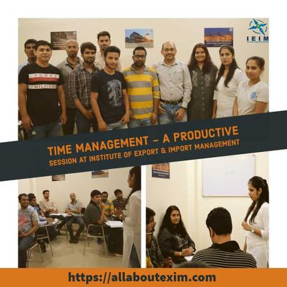 Priyanka providing time management tips to IEIM's Stars