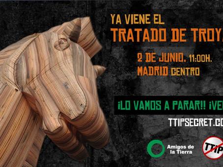 Amigos de la Tierra y la campaña No al TTIP inauguran el tour del Tratado de Troya en Madrid