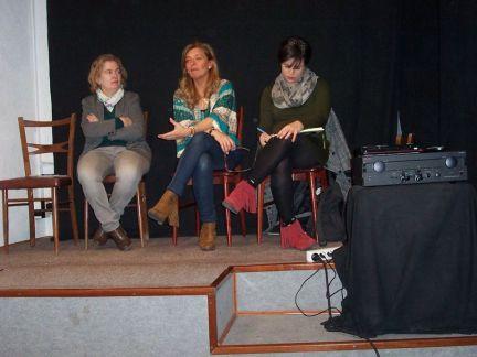 De izquierda a derecha, las tres ponentes: Mirta Núñez, Ana Garrido y Beatriz Talegón.