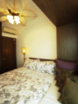1170- thai style wood fan-bedroom-home idea-breeze design studio 柔室內設計裝修.jpg