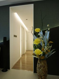 0370-white light ceiling-corridor-home idea-breeze design studio 柔室內設計裝修.JPG