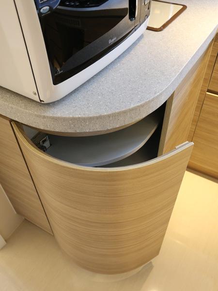 0910-round served table-kitchen-home idea-breeze design studio 柔室內設計裝修.JPG