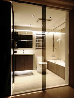 1330-glass door-bathroom-home idea-breeze design studio 柔室內設計裝修.JPG