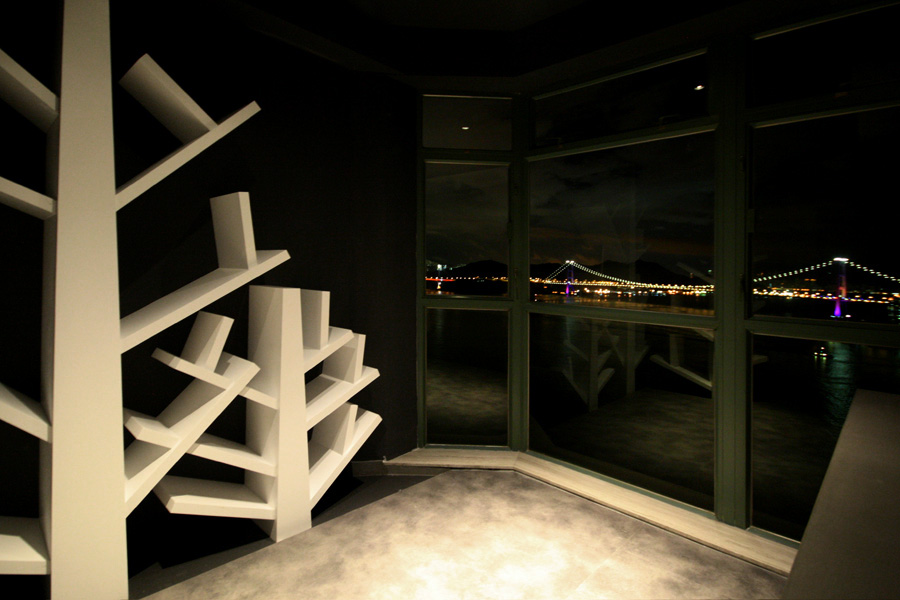 1370-raised floor bookshelf-living-home idea-breeze design studio 柔室內設計裝修.JPG