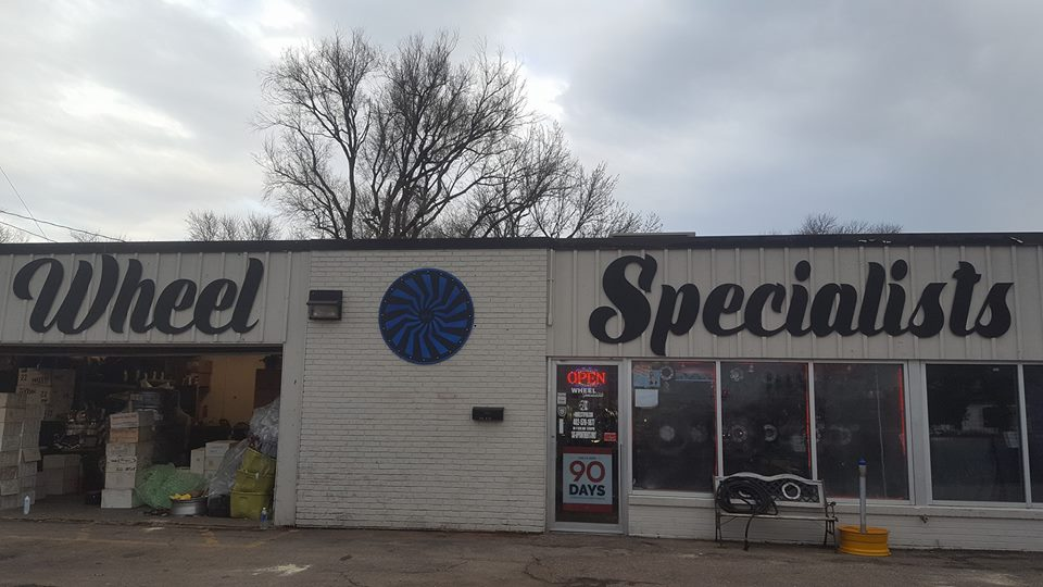 wheel_specialists_custom_sign