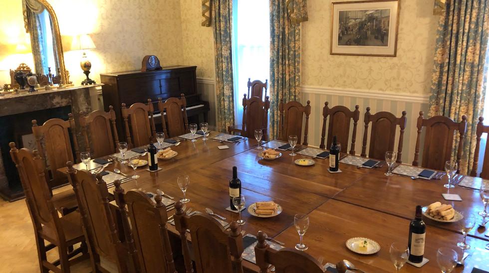 bristol dinner table decor.jpg