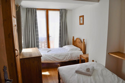 Twin bedroom with bathroom and WC