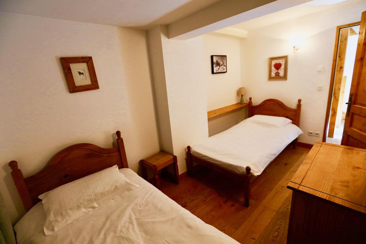 Twin Bedroom with bathroom & WC