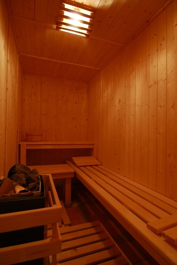 Relaxing after-ski in the sauna