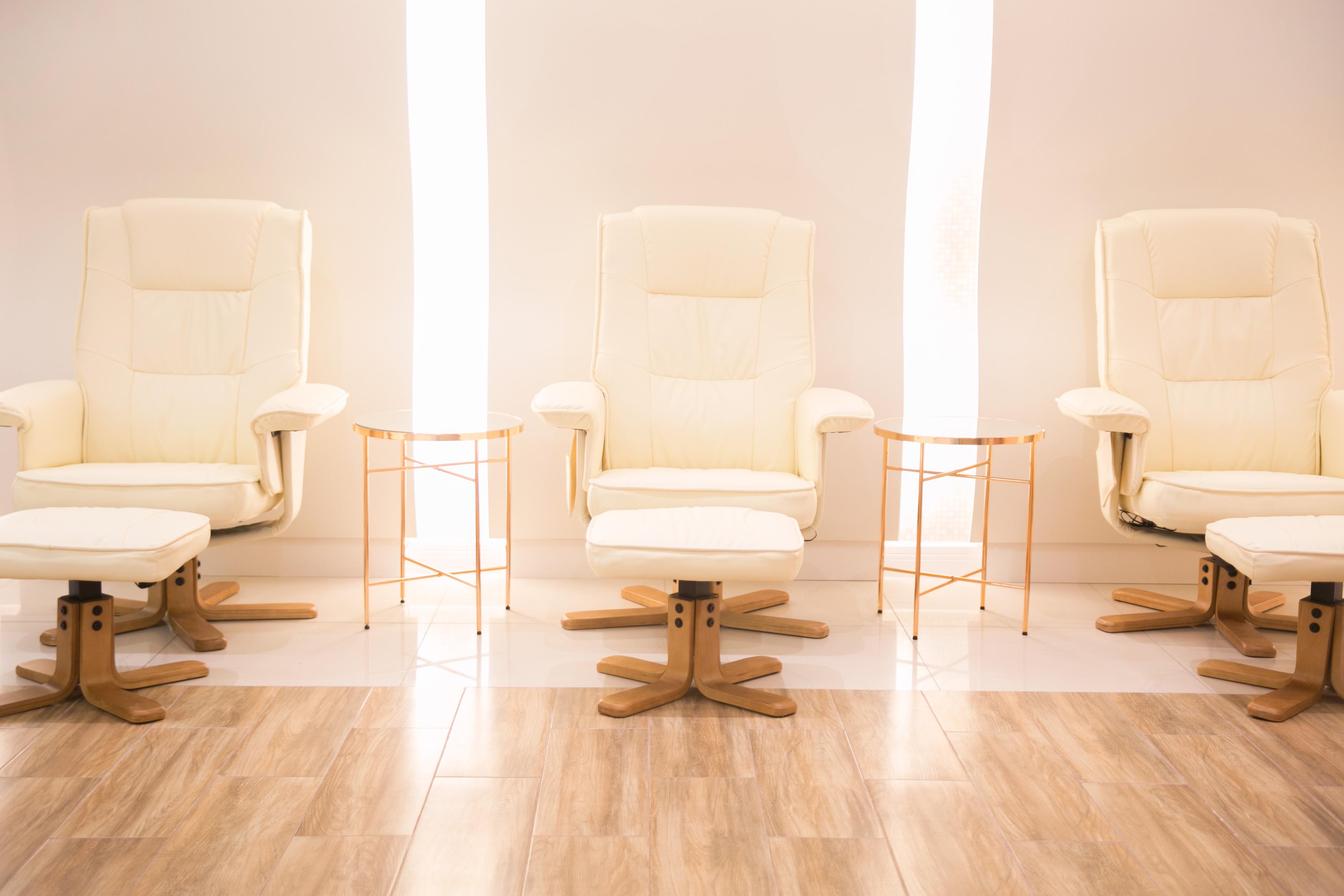Cadeiras de massagem na recepção