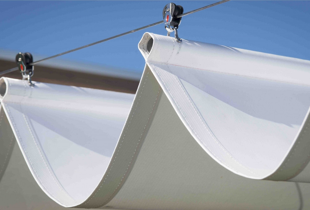 Retractable Shade Sail - Awning_14748693