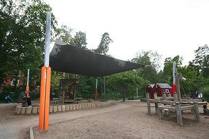 Solegel förskola över sandlåda