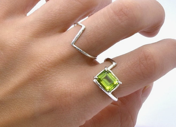 Peridot & Silver L Shaped Ring