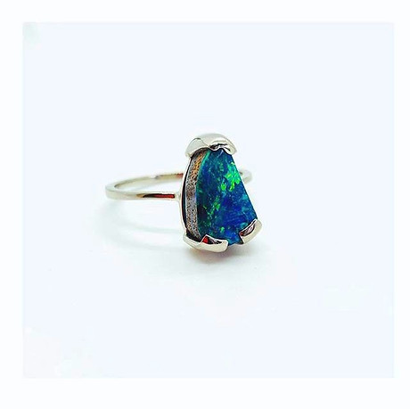 Opal & 18k White Gold Engagement Ring