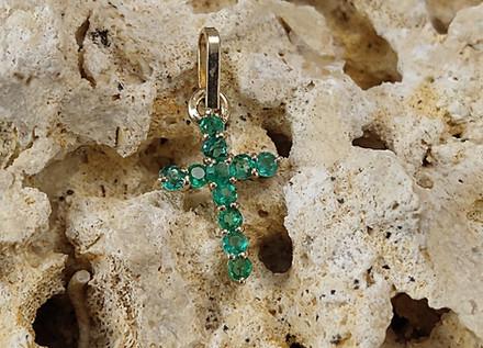 Dige Oro Amarillo 18k Cruz  Esmeralda 0.38ct