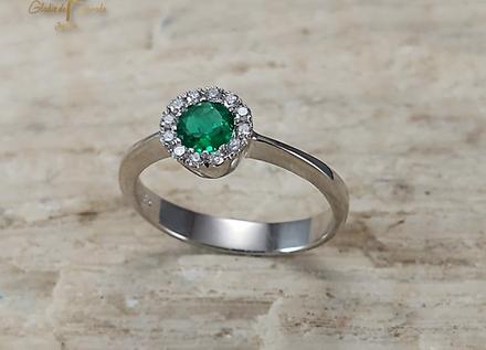 Solitario O.B 18k Bisel Diamantes 0.21ct Esmeralda 0.52ct