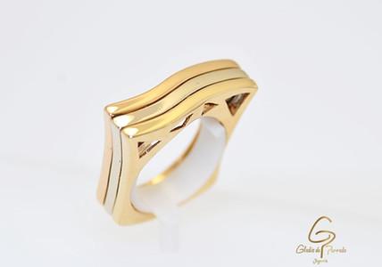 Anillo Oro Amarillo 18k Semicuadrado