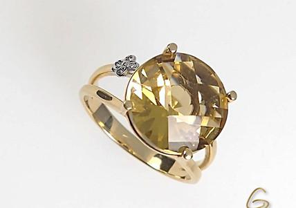 Anillo Oro Amarillo 18k Citrin Adorno Diamante