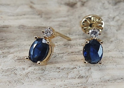 Aretes Oro Amarillo 18k Zafiro y diamantes