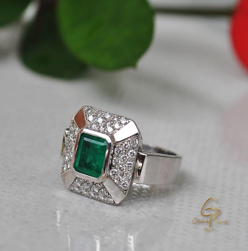 Anillo O.B 18k  Diamantes y Esmeralda