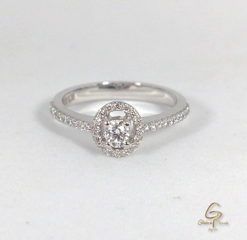 Anillo Oro B. 18k Adorno Central Diamantes