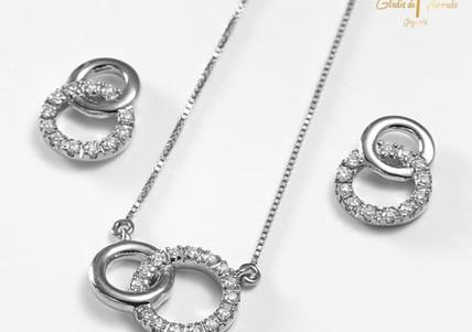 Set O.B 18k Dos Circulos Entrelazados Diamantes 0.09ct
