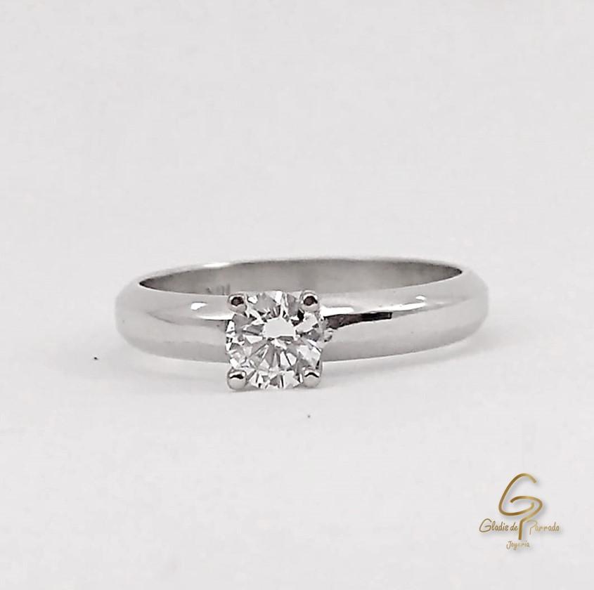 Solitario O.B 18k 4 Uñas Diamante.