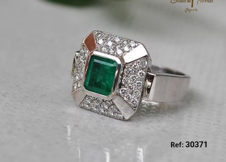 Anillo O.B 18k Cuadrado Diamantes 0.48ct Esmeralda 0.99ct Cuadrada