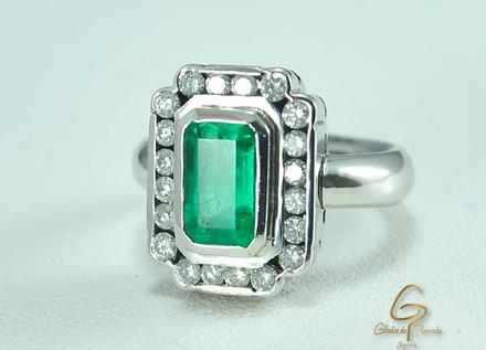 Anillo O.B 18k Esmeralda 2.0k Diamantes 0.66ct