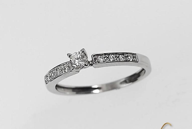 Solitario Oro Blanco 18k Diamante Central Uñas/adorno