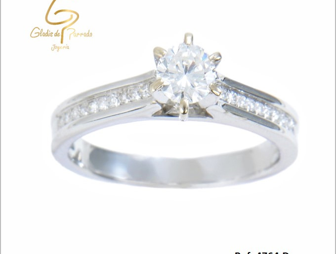 solitario oro blanco 18k diamante