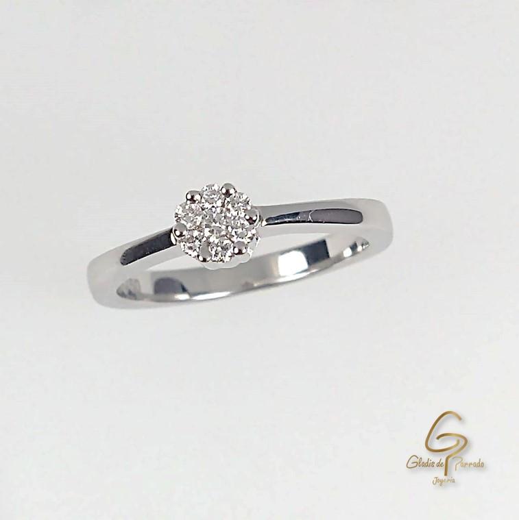 Anillo O.B 18k Roseton Diamantes.